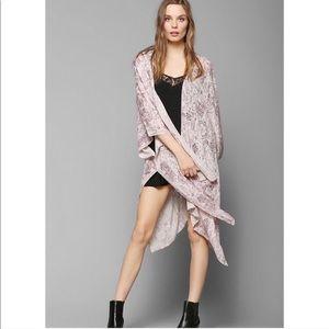 Urban Outfitters Ecote kimono